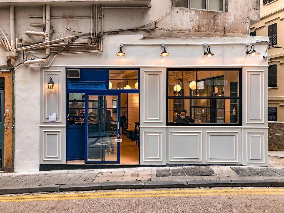 Starting Over Espresso-中環 Cafe 入口旁有個電話亭,是人氣打卡位
