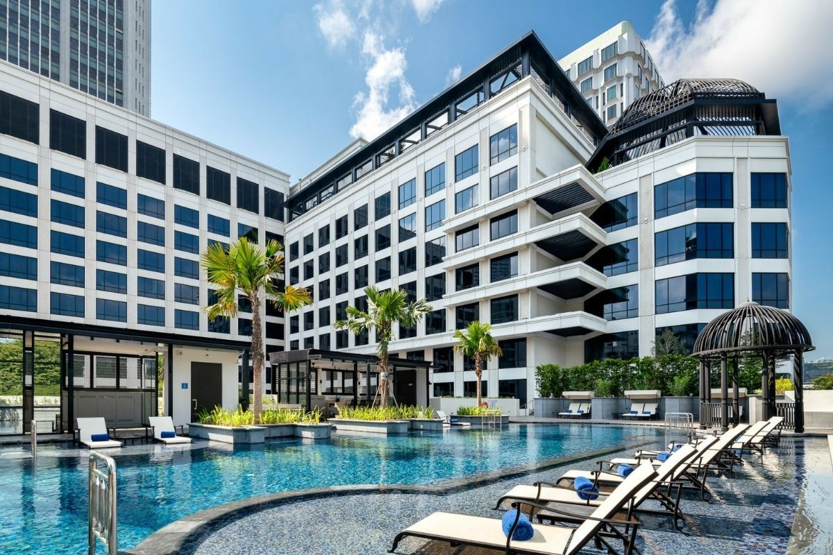 Grand Park City Hall outdoor swimming pool